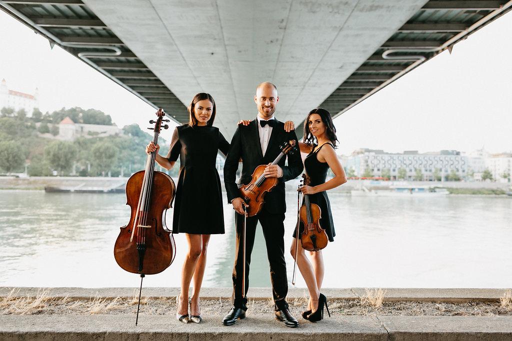 string trio bratislava