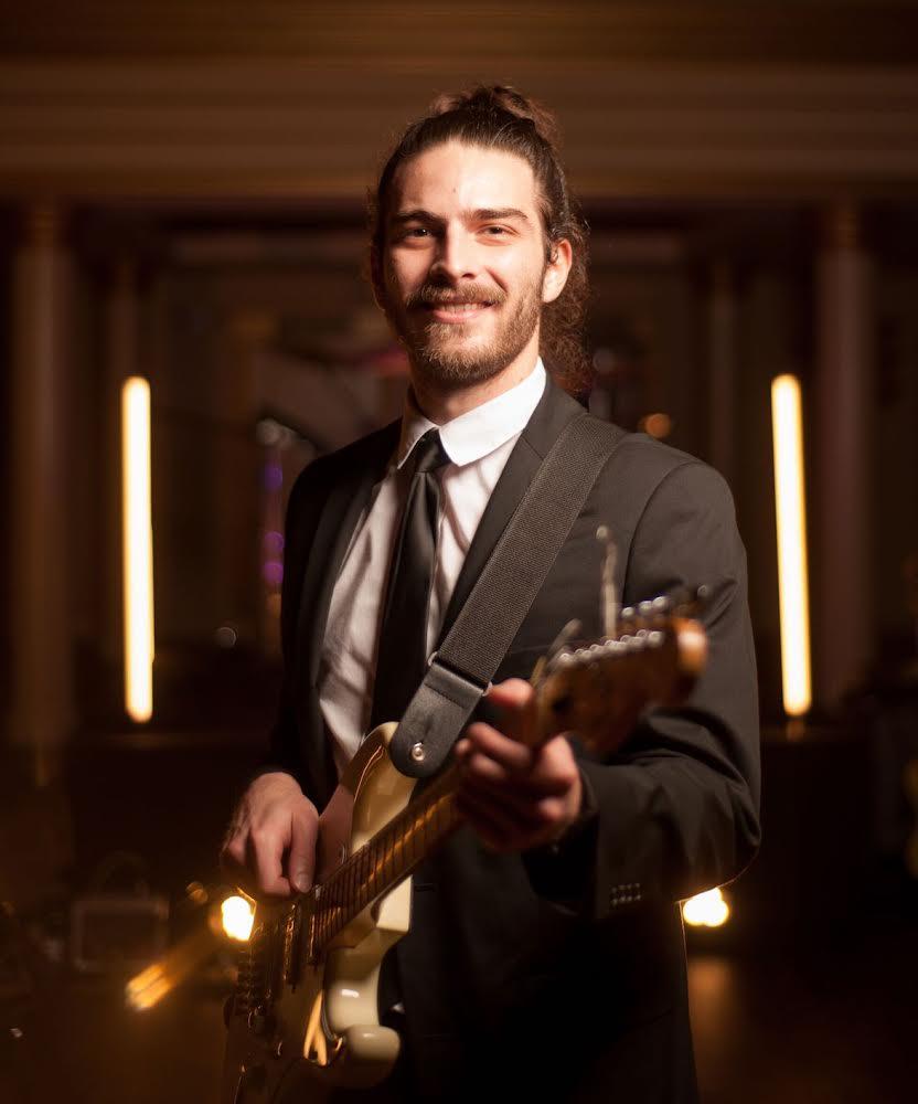 Wedding Guitarist Kiral Artists